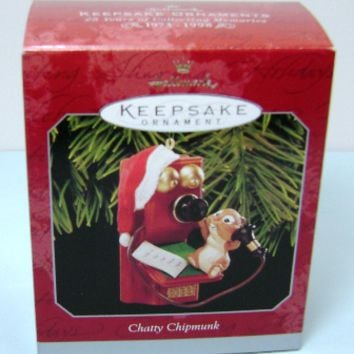 1998 Chatty Chipmunk Hallmark Retired Ornament