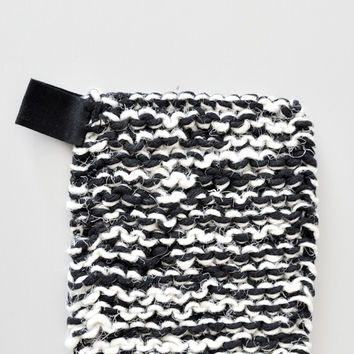 Swedish Linen and Cotton Pot Holder - Black/White