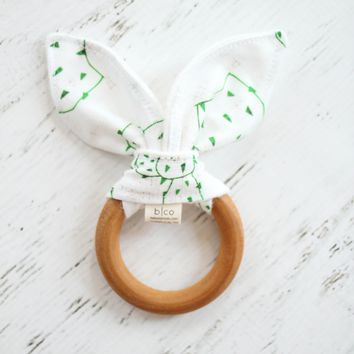 Wooden Teether in French Linen Cactus