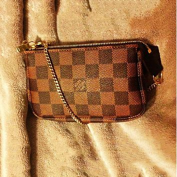 LV new women's personality simple and versatile chain zipper key bag purse coffee check
