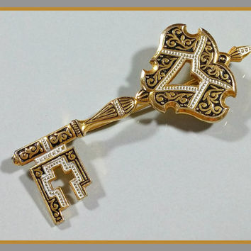 Vintage Damascene Style Key Brooch Skeleton Key Pin Gold Plate with Black and White Enamel Accents Nicely Detail Vintage Costume Jewelry