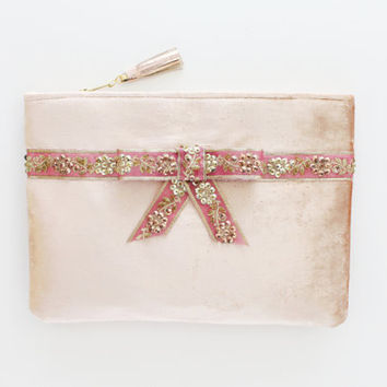 FLAIR / Light pink velvet clutch bag with embroidered pearl bow - Ready to Ship