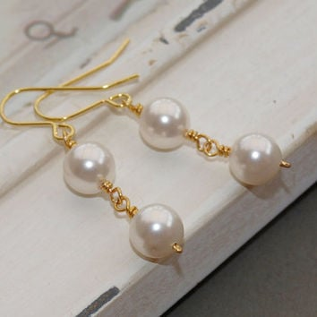 Golden Pearly Bridal Earrings by jewellerymadebyme on Etsy
