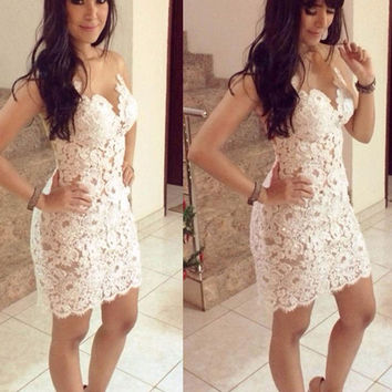 Plus Size Prom Dress  Fashion Lace Hollow Out Slimming Sleeveless Bodycon Graduation Short