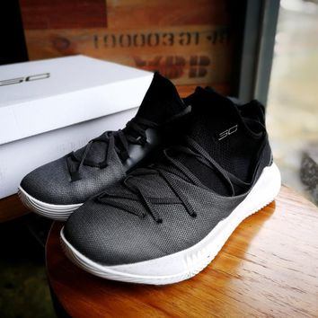 Under Armour Curry 5 Black/White Basketball Shoe 40-46