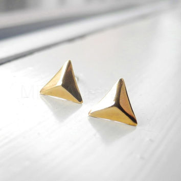 Pyramid Stud Earrings,Triangle Earring Posts,Golden Pyramid Earrings,Brass Jewelry,Triangle Pyramid Jewelry, Hypoallergenic Earrings (E194)
