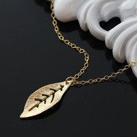 Gold Leaf Necklace, Jennifer Aniston Leaf celebrity jewelry . Gold filled Fine Cable Chain