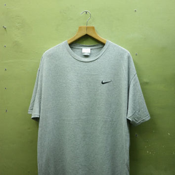 Vintage Nike Shirt Embroidery Logo Sportswear Streetwear Top Tee T Shirt Gray Color Made In USA Size L