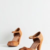Vintage Inspired Marvelous Maven Heel in Cognac