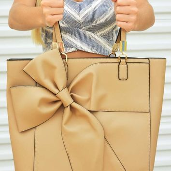 Bow Down To Bows Purse: Beige