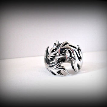 Dragon ring,Gothic ring,Fantasy,Punk ring,metal ring,thumb ring,unisex ring,stainless steel ring,wolf ring