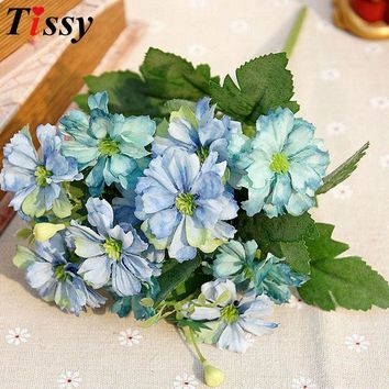 Bouquet European Style Silk Artificial Flowers Daisy Green Leaves