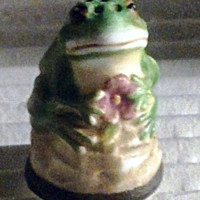 Frog Vintage Franklin Mint FP Friends of the Forest Thimble Porcelain 1982