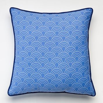 Happy Chic by Jonathan Adler Zoe Scalloped Throw Pillow (Blue)