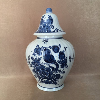 Blauw Delft Holland, Ginger Jar, 1960s Original, Peacock Design, Chinoiserie Home, Delft Porcelain, Blue and White, Mid Century Delft
