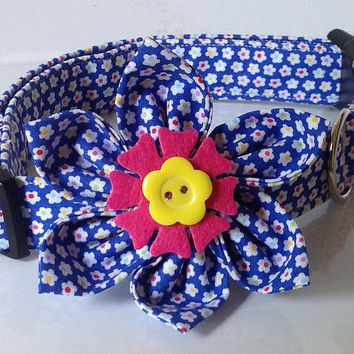 Blue & White Floral Female Dog & Cat Collar with Matching Flower