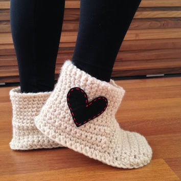 Women Slippers Boots Women House Socks Crochet Slippers with Heart Valentines Day Gift Wool Slippers Socks Indoor Shoes