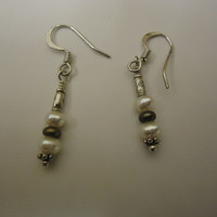 Designer Fashion Earrings Drop/Dangle Metal Faux Pearl Female Adult Silver/White -- Preowned