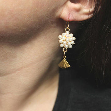White Pearl Cluster Bead Earrings / Gold Fan Earrings / Long Pearl Dangle Earrings / Fancy Pearl Beaded Earrings / Elegant Earrings