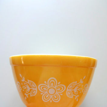 Vintage Pyrex 750ML Butterfly Gold Bowl 1960s