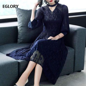 High Quality New Casual Clothing Dress 2018 Spring Business Women Stand Collar Hollow Out Pleated Slim Fit & Flare Dress Solid