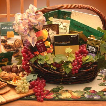 The Kosher Gourmet Gift Basket (Med)