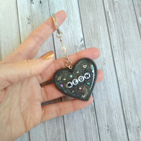 "Keychain ""Meow"" resin glitter holographic, bag accessory, purse charm, heart charm, heart resin piece"