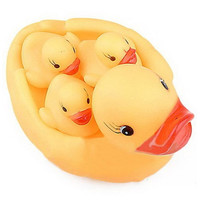 Bewitching Yellow Duck'S Family Lovely Safe Rubber Squeaky Baby Water Toys Hot Selling Classic Kids Bath Toy