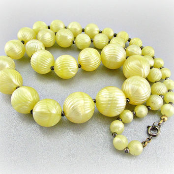 Vintage Chunky Yellow Beaded Necklace (Yellow Plastic Beads, Graduated Necklace, Long Beaded Necklace, 1960s MOD Retro Costume Jewelry)