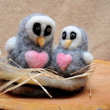 Needle felt owls in nest.  Owls with heart. Mother and child owls.Home decor Cute animals Wool magic Dollhouse Soft Animals Brown White owls
