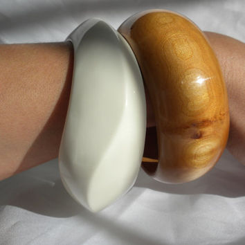 Chunky Bangle Bracelet Lot Amber Brown Wood Ivory White Plastic Unusual Jewelry Gifts for Her Big Bracelets for women Hipster Modern Woman