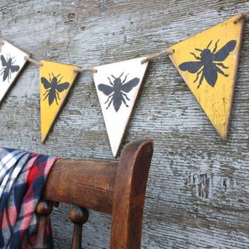 FREE SHIP Wood Bumble Bee Queen Bee Banner Rustic Pennant Garland Tags Signs