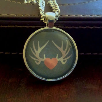 Antlers Necklace. Stag Necklace. Silver Tone Setting. 18 Inch Chain.