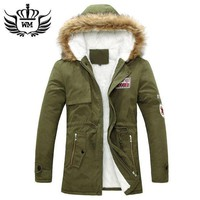 Men Warm Winter Fur Collar Coat/jacket