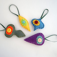 Christmas holiday decor - Felt retro shapes ornaments in grey, blue, yellow, purple - Christmas decoration - set of four (4)
