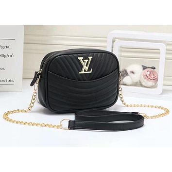 """LV""Louis Vuitton Fashionable Wild Messenger Strap Shoulder Chain Bag Small Square Bag Camera Bag"
