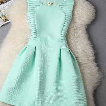 CUTE PURE COLOR GREEN SHOW BODY DRESS
