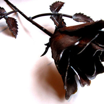 Long Stemmed Rose Sculpture from Rusty Recycled Metal Eco Friendly Gift