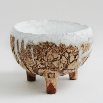 Rustic pottery. Tea bowl «The archaic»