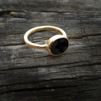 Black Onyx Solid Yellow Gold Ring - Stackable Black Onyx 14K Yellow Gold Ring - Solid Rose Gold Ring- Birthstone Oval Onyx Ring