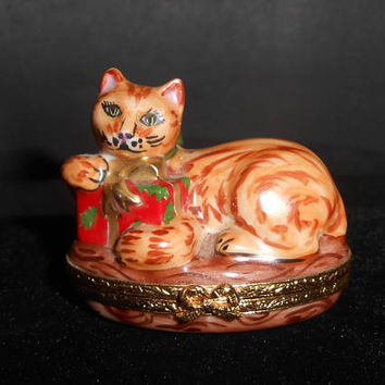 Limoges Trinket Box Artoria Kitty Cat Kitten Figural Christmas Presents Bow France