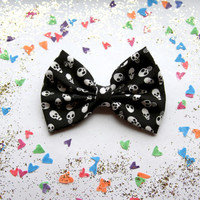 NEW - SMALL Skulls Hair Bow - Black & White Skulls Pattern Hair Bow with Clip