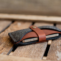 "iPhone 5S / 5C / 5 Wallet & Sleeve ""Rough Edge"" - leather, wool felt"