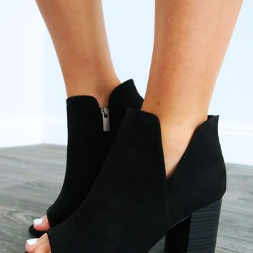 Meet You There Booties: Black