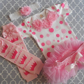 Newborn Take Home Outfit,Customized Baby Onesuit,  baby girl Onesuit, Baby Shower, baby photo prop, New Baby Gift, pink and white