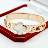 Van Cleef & Arpels Fashion New Hollow Four-Leaf Clover Bracelet Women Jewelry