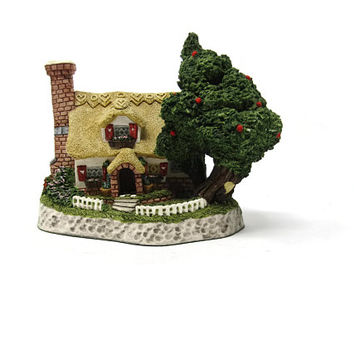 Sweetheart Haven Celebration Cottages David Winter Cottages 1994 Tudor Style Cottage Sculpture