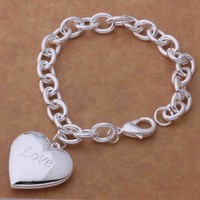 $4.99 Silver plated Beautiful charm Bracelet Gorgeous jewelry love heart