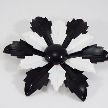 Black & White Flower Brooch  Enamel Leaf shaped Petals  Flower Power Mod Pin Vintage 1960s 1970s Era DIY Brides Wedding Flower Bouquet Reuse