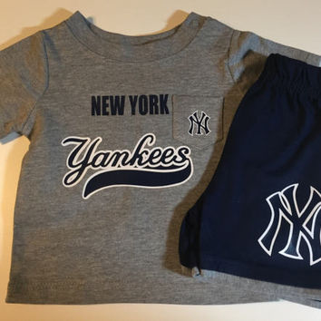 Baby infant MLB New York Yankees boys outfit personalized sports apparel